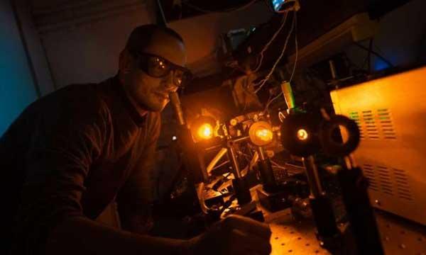نقش لیزر در افزایش کارآیی تلسکوپهای بزرگ