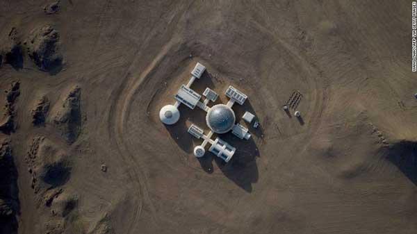 نمای هوایی پایگاه مریخ 1 در صحرای گبی