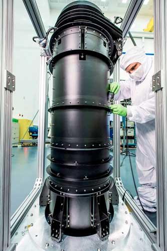 برج تلسکوپ فضایی جیمز وب