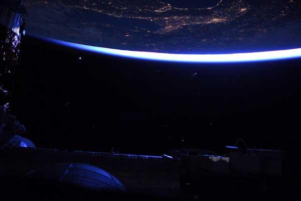 دنبالهدار نئووایز از دید فضانواردان ساکن ایستگاه فضایی بینالمللی